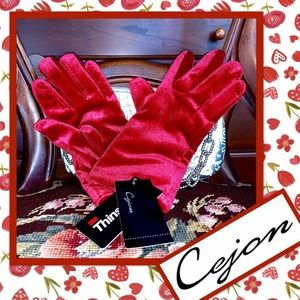 🌻 Cejon Velvet Gloves in Red 🌻